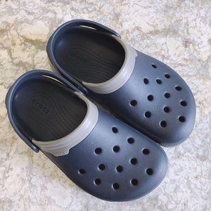 Size 6W Or 4M Crocs Clog